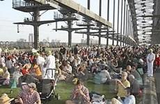 6.000 người cùng điểm tâm trên Cầu cảng Sydney