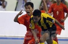 Lượt trận đầu futsal: Hai đội chủ nhà thua đậm