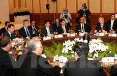 """APEC tuyên bố """"Duy trì tăng trưởng, kết nối khu vực"""""""
