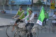Đạp xe vì môi trường – nói không với túi nilon