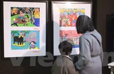 Giới thiệu tranh của trẻ em Việt Nam tại Pháp