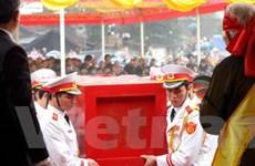 Long trọng lễ hoàn táng thi hài vua Lê Dụ Tông
