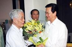 Thủ tướng chúc Tết các nguyên lãnh đạo cấp cao