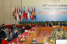 Ngày làm việc thứ nhất của Hội nghị ASEAN 16