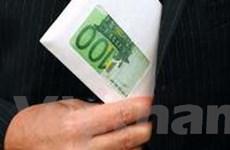 Hai bộ trưởng của Pháp từ chức vì bê bối công quỹ