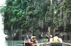 Lượng khách du lịch đến Ninh Bình tăng gấp đôi