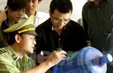 Hà Nội tạm đình chỉ hơn 10 cơ sở nước đóng chai