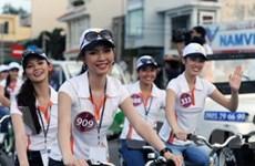 Thí sinh HHTG người Việt hoạt động vì cộng đồng