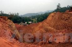 """""""Quặng tặc"""" hành hung bảo vệ mỏ sắt ở Lào Cai"""