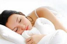 Ngủ từ 5 đến 6,5 giờ giúp phụ nữ sống lâu hơn