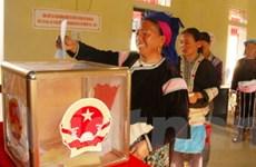 Nhiều khu vực bỏ phiếu đã có 100% cử tri đi bầu