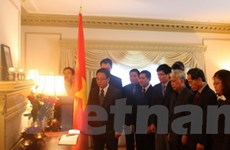 Viếng nguyên Chủ tịch Võ Chí Công tại nhiều nước