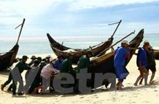 Bão Nesat đang hoạt động rất mạnh trên biển Đông