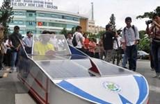Khuyến khích chế tạo xe chạy năng lượng mặt trời