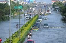 Bangkok vẫn bị lũ lụt uy hiếp trong 4-5 ngày nữa