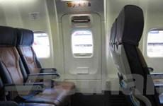 Đề nghị tăng mức phạt với khách mở cửa máy bay