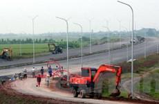 Giao mặt bằng sạch cho 3 dự án đường cao tốc