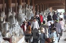 """Bát nháo dịch vụ """"ăn theo"""" tại Hội chùa Bái Đính"""