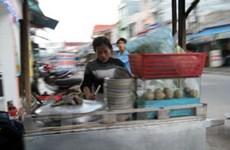 TP.HCM: Giá thực phẩm giảm, dịch vụ ăn uống tăng