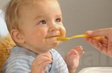 Trẻ ngoài một tuổi mới được sử dụng muối khi ăn