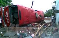 Xe khách đâm vào quán gây ra 1 tai nạn thảm khốc