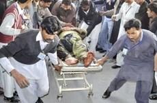 Lật xe khách tại Pakistan, 40 người thương vong