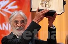 Người đạo diễn đoạt 2 cành cọ vàng trong ba năm