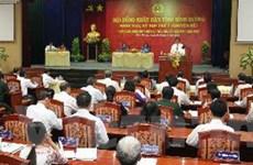 Bàn giao bản tổng hợp ý kiến về sửa đổi Hiến pháp