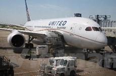 Siêu máy bay Boeing 787 Dreamliner lại gặp sự cố