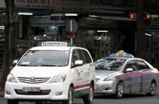 """TP.HCM: Kiên quyết xử lý taxi dù, """"chặt chém"""" khách"""