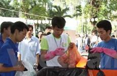TP.HCM: Tái chế để mang đến nước sạch cho trẻ em