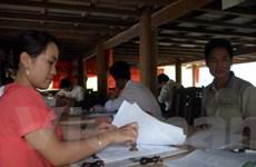 Lai Châu: Cán bộ xã phải làm việc trong... gầm sàn