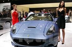 Owen tậu siêu xe Ferrari nhân dịp tới M.U