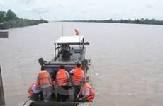 Xây luồng cho tàu trọng tải lớn vào sông Hậu
