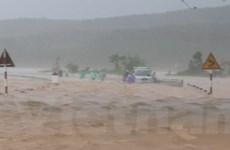Kon Tum: Hàng chục người bị mắc kẹt do mưa lớn