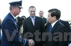 Chủ tịch nước bắt đầu chuyến thăm chính thức Chile