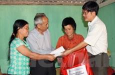 TTXVN chăm lo cho nạn nhân da cam nhân dịp Tết