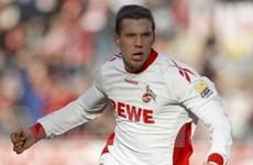Lukas Podolski tỏa sáng khiến Bayern hút chết