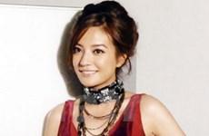 Ngôi sao điện ảnh Triệu Vy đã sinh hạ con gái