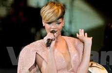 Rihanna nhận 30.000 bảng cho một lần xuất hiện