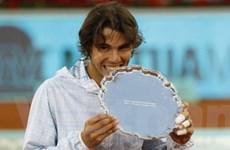 Hạ bệ Federer, Nadal đi vào lịch sử giải Masters