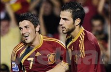 Cesc Fabregas tiến thêm một bước tới Nou Camp