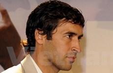 Raul Gonzalez thỏa thuận hợp đồng với Schalke 04