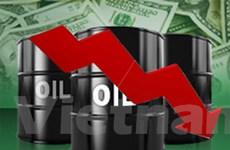 Giá dầu tiếp tục giảm xuống dưới mức 75 USD