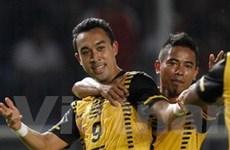 """Thắng Lào, Malaysia """"đá bay"""" Thái khỏi AFF Cup"""