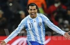 Carlos Tevez bất ngờ trở lại đội tuyển Argentina