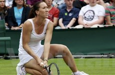 """""""Nữ hoàng không Grand Slam"""" gục ngã ngay vòng 1"""