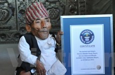 Guinness công nhận người đàn ông lùn nhất thế giới