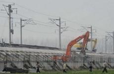 Trung Quốc khắc phục vụ sụt gãy đường ray cao tốc