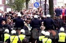 """25 người bị bắt ở trận """"đại chiến"""" Ajax - Man City"""